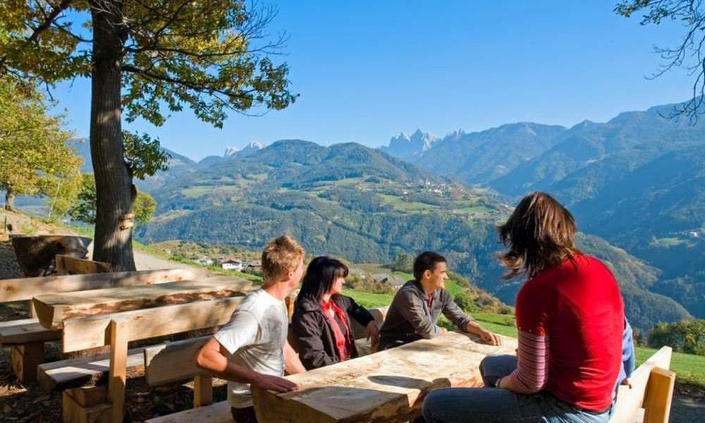 Lungo il sentiero del castagno verso Bolzano, passando per Velturno